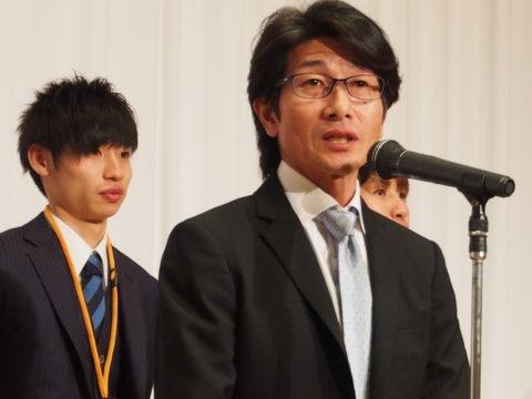 ヨシトミ先生